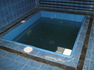 бассейн бриз