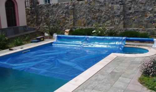 Ролетные накрытия на бассейн